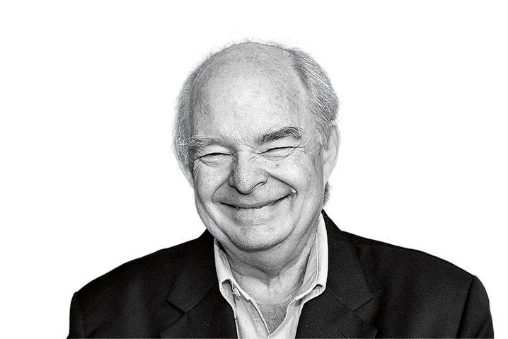 Bob Hall , 66, hat sich als Autojournalist international einen Namen gemacht. Der Kalifornier, ein Fan offener britischer Sportwagen, gilt als Erfinder von Mazdas Kultcabrio MX-5