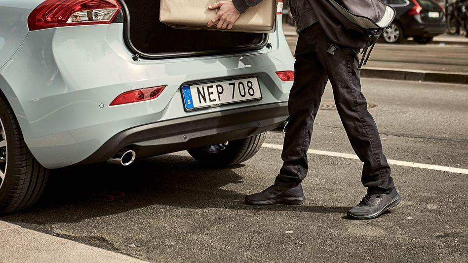 Volvo-Zustelldienst: In zwei Stunden werden die Päckchen direkt in den Kofferraum geliefert, verspricht der Autohersteller
