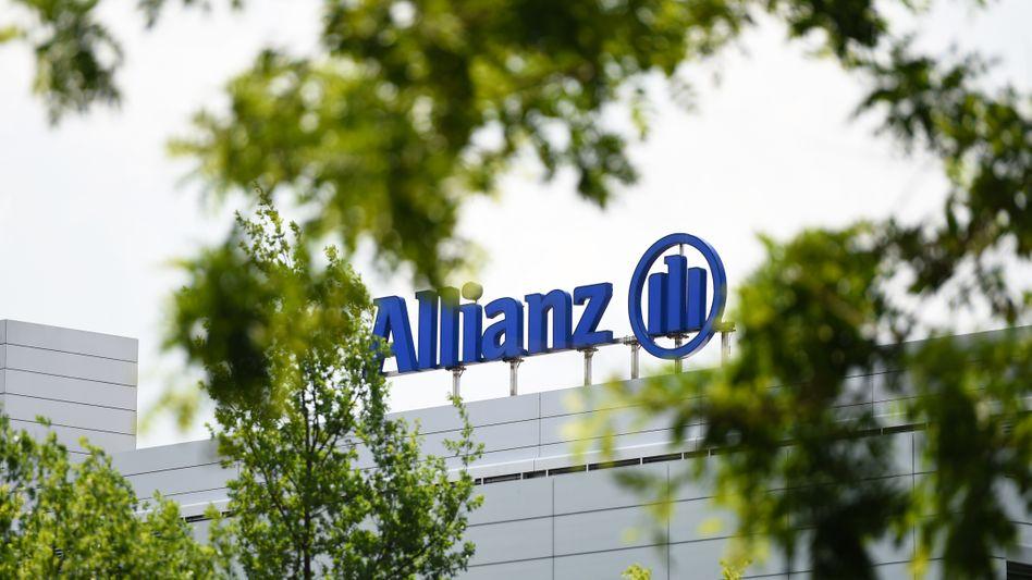 Allianz-Gebäude in München: Der Versicherer zollt dem Zinsumfeld Tribut.