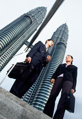 Geschäftsleben in Malaysia: Verhandlungen und Vertragsabschlüsse brauchen oftmals sehr lange