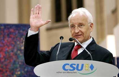 Edmund Stoiber: CSU-Politiker spekulieren über den Rücktrittstermin des bayerischen Ministerpräsidenten und CSU-Vorsitzenden