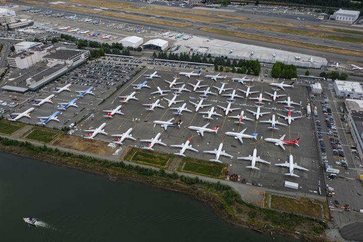 """""""In grober Weise unzureichend"""": Noch immer dürfen 737-Max-Maschinen von Boeing nicht am Flugverkehr teilnehmen."""