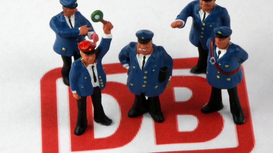 Eisenbahner mit Macht: Rund 300.000 Mitarbeiter der Deutschen Bahn sollen zu ihrer Zufriedenheit befragt werden