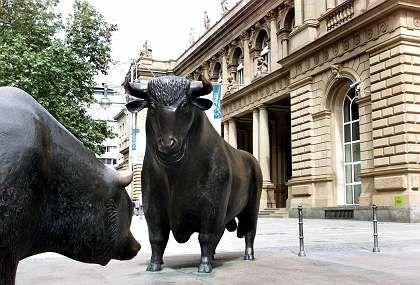 Deutsche Börse in Frankfurt: Wichtige Entscheidungen durch Führungskrise verzögert