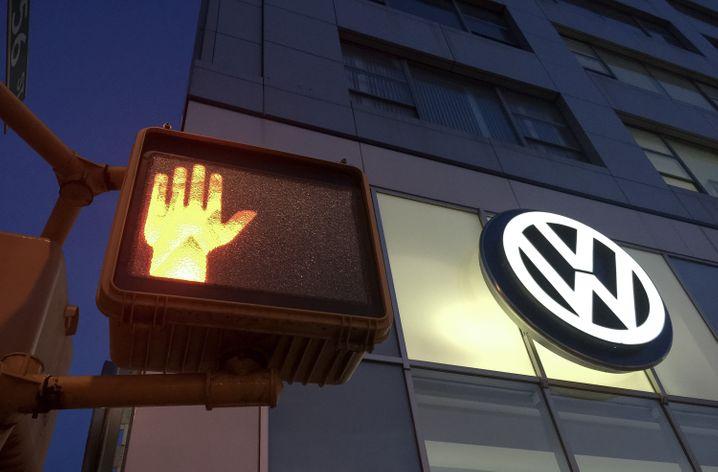 Ausgebremst: Volkswagen ringt mit der Abgasaffäre