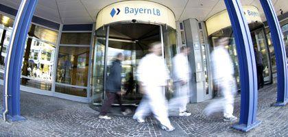 """""""Vertrauen ist Voraussetzung für weitere Arbeit"""": Die Vorstände der BayernLB fordern Rückendeckung ein"""