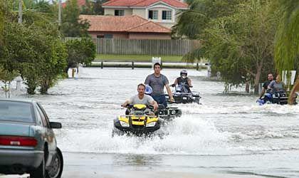 """South Miami Dade County, Florida: Hier berührte """"Katrina"""" die Küste bereits am Freitag"""