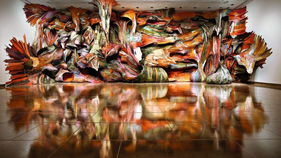 """""""Tapumes"""": Kunstwerk von Henrique Oliveira, 2009, Sperrholz, 4,7 x 13,4 x 2 m, Rice Gallery, Houston"""