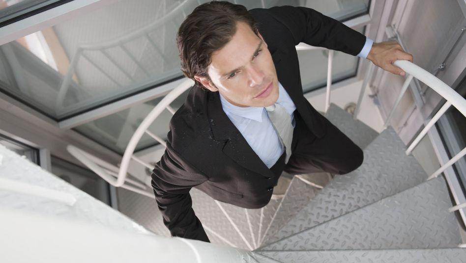 Aufstieg gewünscht: Wer seine Karriere plant, sollte nicht nur auf das Einkommen schauen