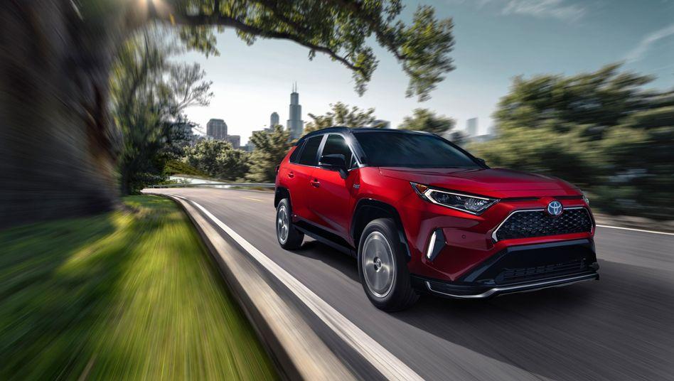 Toyota hebt Gewinnprognose an