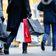 Sorge um Einkommen dämpft Konsumlaune