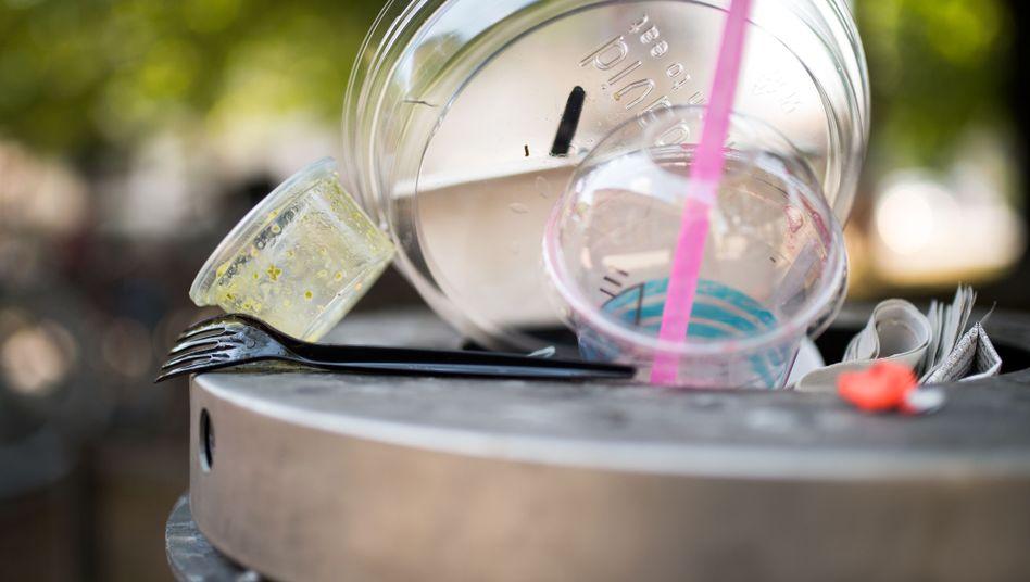 Plastikmüll ohne Ende: Die Bundesregierung will Einwegprodukte verbieten.