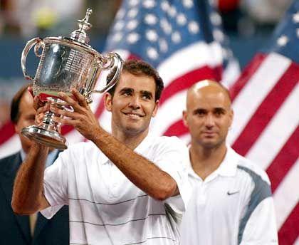 Sonnyboys in der Öffentlichkeit, im Match knallhart: Tennisprofis Pete Sampras, Andre Agassi