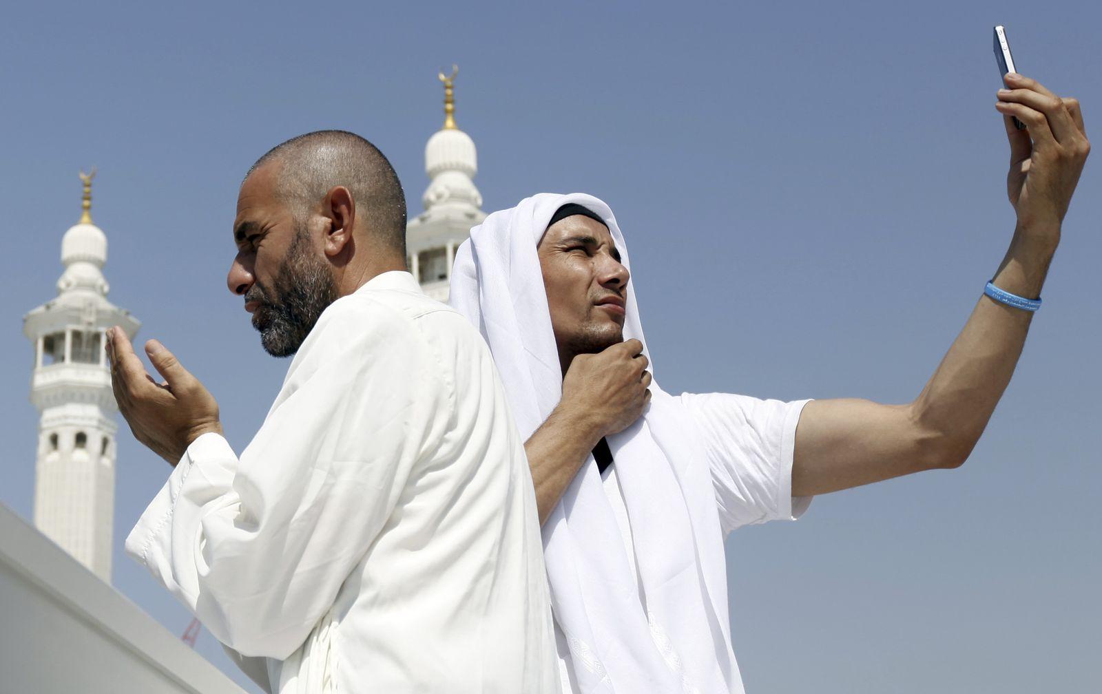 Saudi-Arabien / Pilger / Smartphone