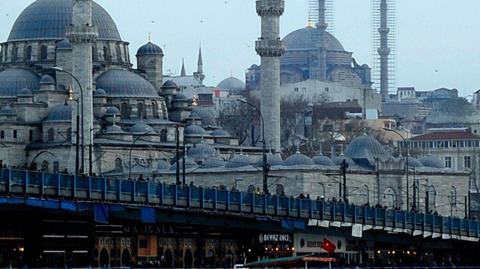 Ökonomentreffen in Instanbul: Wege aus der Krise