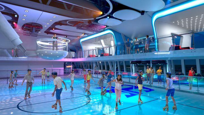 """Rollschuhfahren auf dem Wasser: Die """"Anthem of the Seas"""" bietet zahlreiche Freizeitattraktionen."""