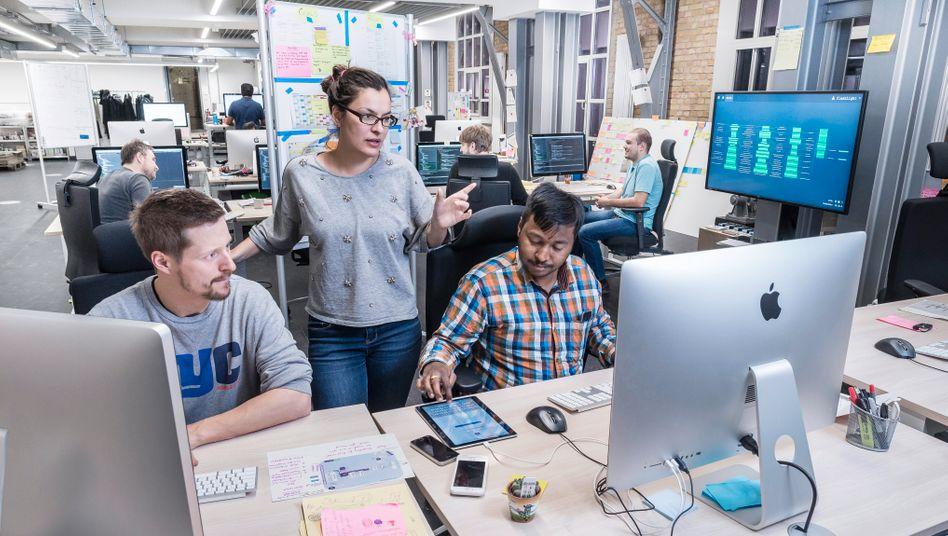 Im Digital Lab von Volkswagen arbeiten derzeit rund 70 IT-Spezialisten, unter ihnen Programmierer, Data Scientists, Software-Designer und -entwickler.