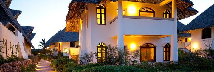 Traditionelle Grasdächer: Essque Zalu Zanzibar