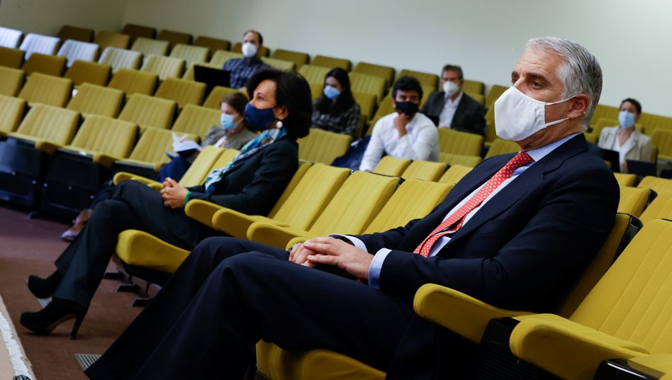 Top-Banker in Covid-Zeiten vor Gericht: Unicredit-Chef Andrea Orcel (rechts) and Ana Patricia Botin, Präsidentin des Verwaltungsrats der spanischen Großbank Santander