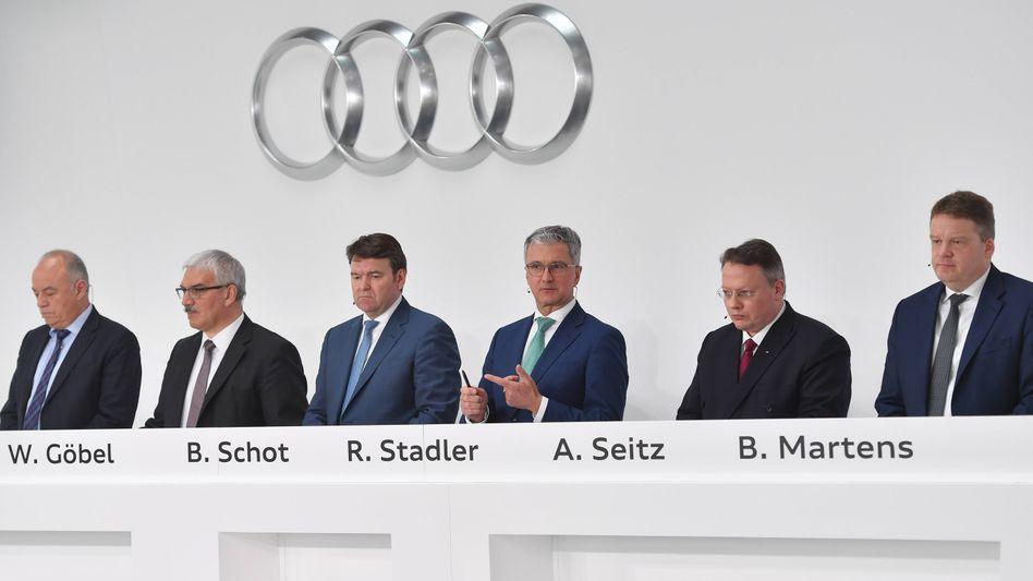Audi-Vertriebsvorstand Bram Schot (links) wird den inhaftierten Rupert Stadler an der Audi-Spitze wohl vorübergehend ersetzen, berichten verschiedene Nachrichtenagenturen unter Berufung auf Insider