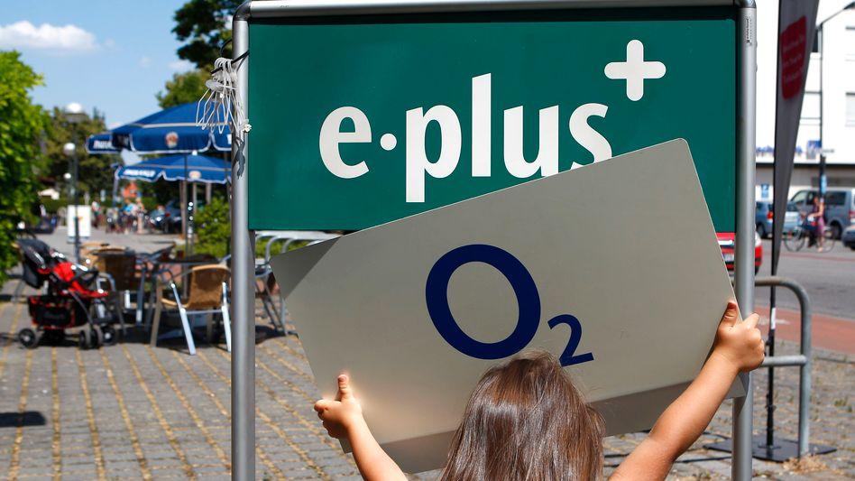 O2 und E-Plus: Der neue Telekomriese hat mehr Kunden als die Deutsche Telekom. E-Plus-Chef Thorsten Dirks will den Verbund gerne führen - seine Preisbrecher-Aktionen stoßen jedoch auf Kritik