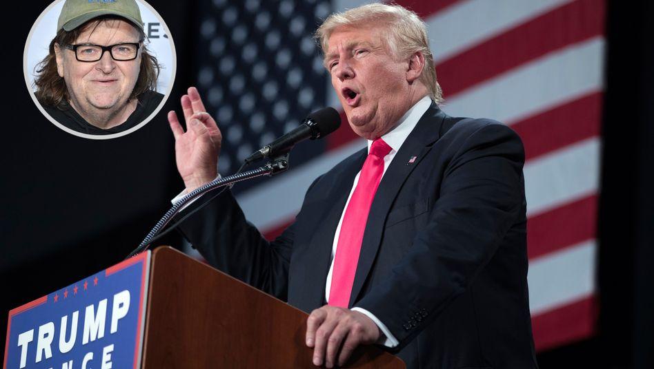 """""""Dieser bemitleidenswerte, ignorante, gefährliche Teilzeit-Clown und Vollzeit-Soziopath wird unser nächster Präsident"""": Regisseur Michael Moore (kleines Bild) hat es schon vor Monaten gewusst"""