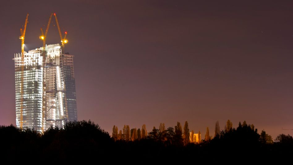 Baustelle der neuen EZB in Frankfurt: Der anstehende Bilanztest der EZB hat Banken ermutigt, ihre Rücklagen für Kreditausfälle frühzeitig zu erhöhen
