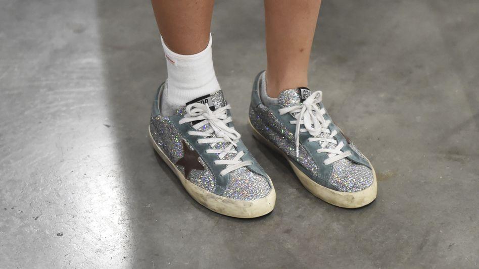 """Schmutzig? Nein, teuer! Sneaker der italienischen Luxusmarke """"Golden Goose"""" kosten schnell mal 400 Euro und mehr"""