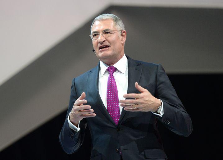 VW-Entwicklungschef Heinz-Jakob Neußer ist derzeit beurlaubt - der Konzern sucht dringend nach einem Nachfolger