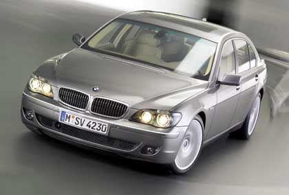 Weg mit den Problemzonen: Geglättete Front des BMW 7er