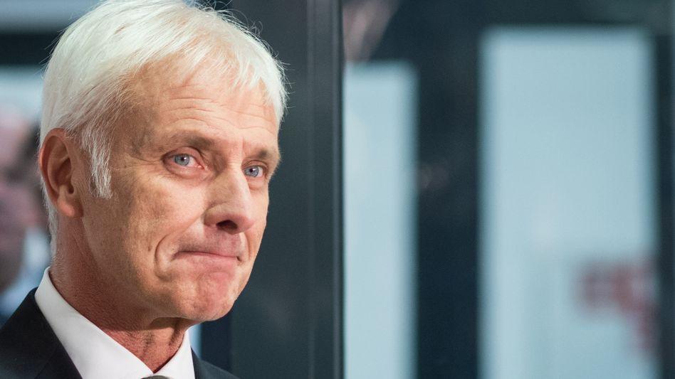 Wohin führt Matthias Müller Volkswagen? Zunächst versucht er, den Abgas-Skandal zu relativieren