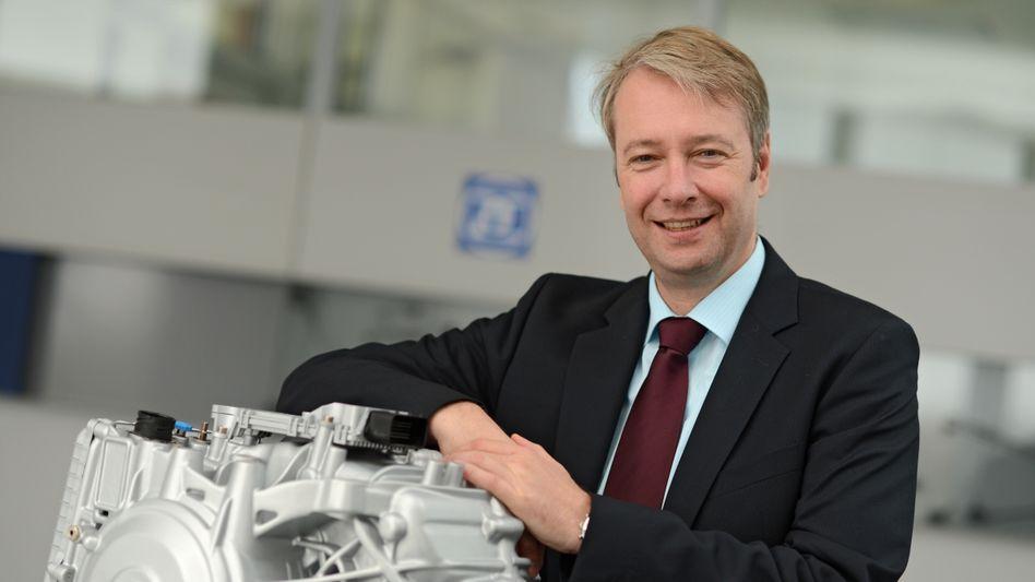 """ZF-Chef Stefan Sommer argumentiert die Übernahme des US-Konkurrenten TRW so: """"Wir müssen groß und mächtig sein"""""""