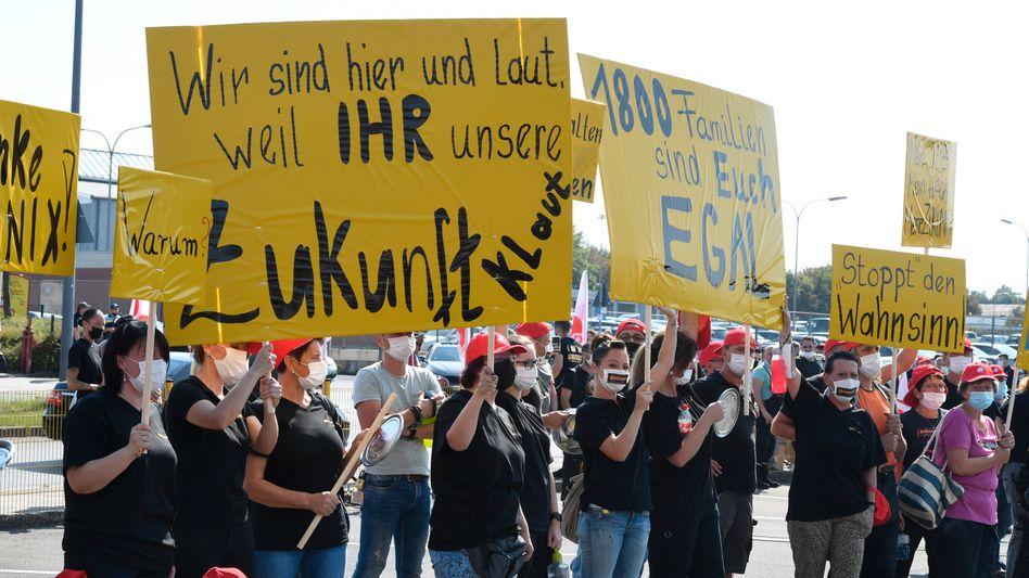 Conti-Mitarbeiter in Aachen protestieren vor einigen Tagen gegen die geplante Schließung des Werkes