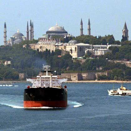 Warenverkehr am Bosporus: Acht von 35 Beitrittskapiteln sind wegen der Zypern-Frage derzeit ausgesetzt