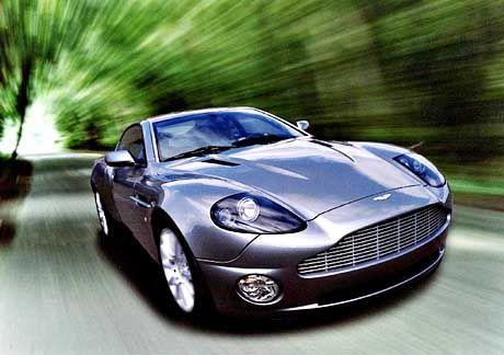 Der Aston Martin V 12 Vanquish ist das Top-Modell bei Ford