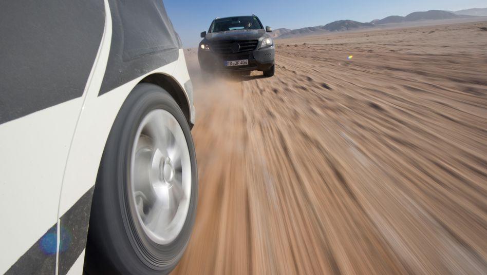 Staubige Pisten: In Namibias Wüste hat Daimler seine M-Klasse getestet.