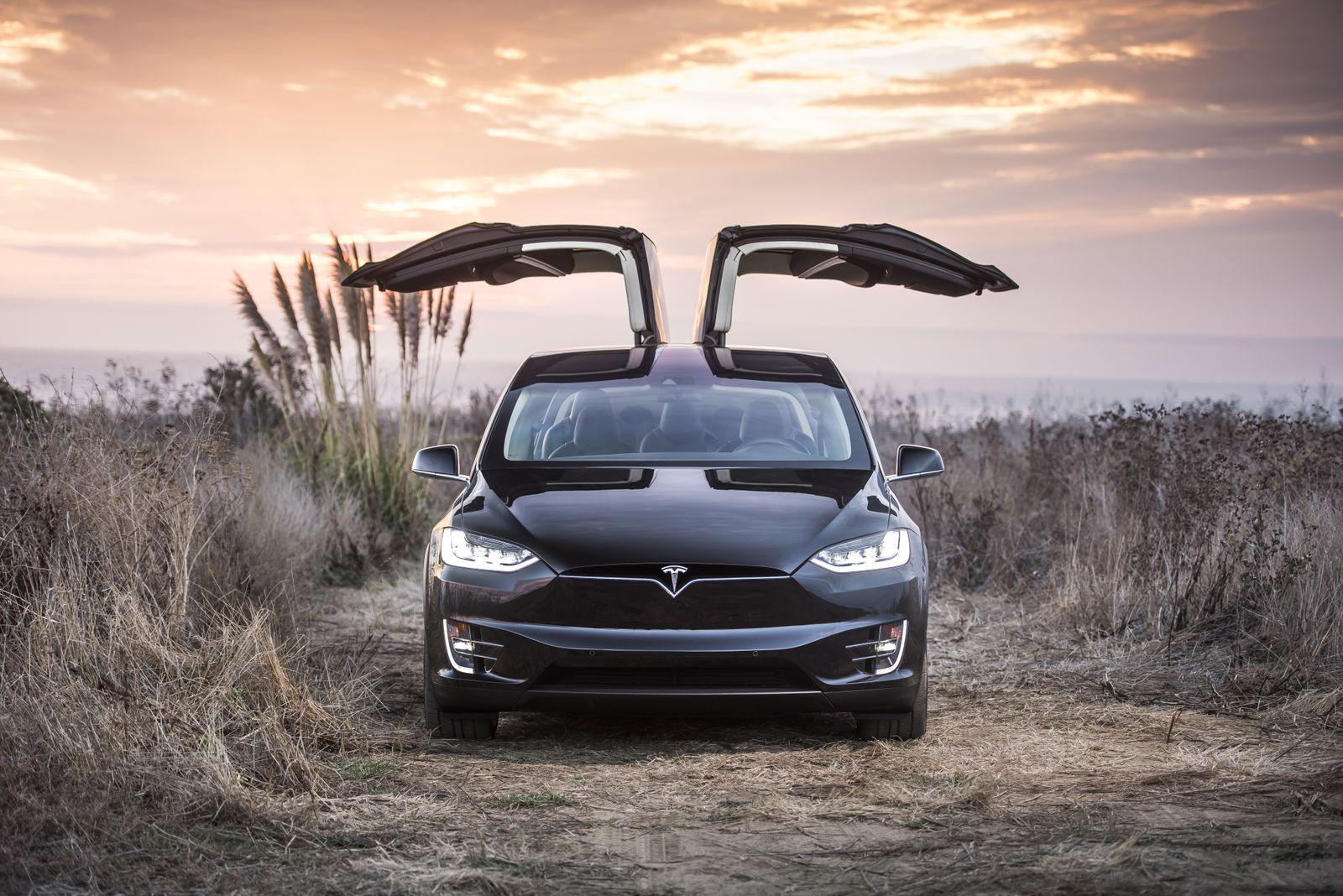 Tesla Model X / Frontansicht