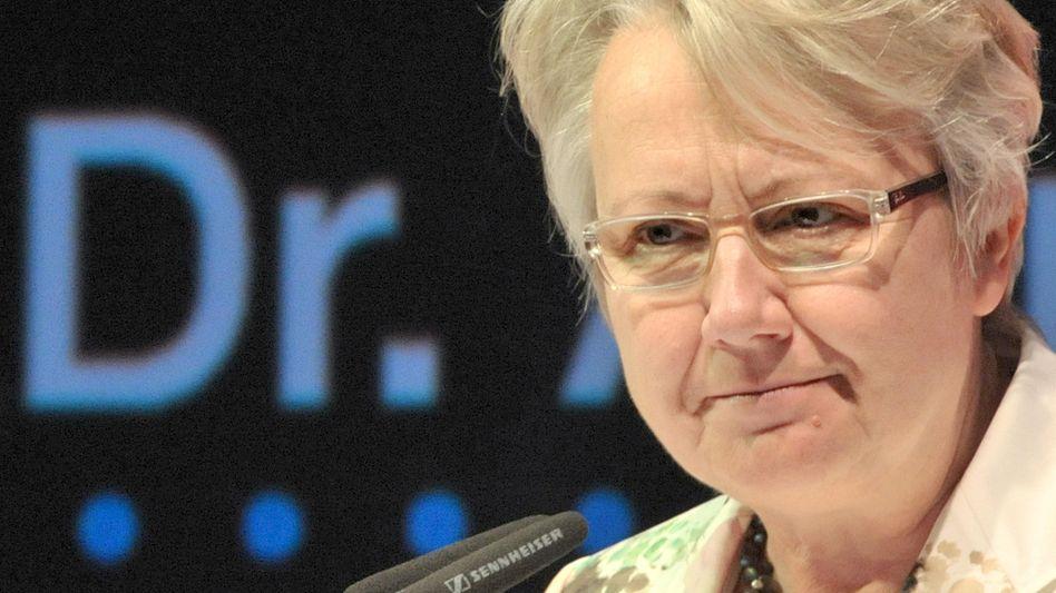 Bundesbildungsministerin Annette Schavan: Jahrzehnte alte Doktorarbeit von neuem Interesse