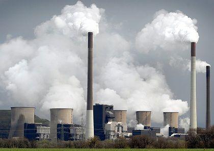 Kohlekraftwerk: Polen erzeugt mehr als 90 Prozent seines Strombedarfs mit Kohlekraftwerken. Wegen der einhergehenden CO2-Belastungen ist die Politik bemüht, einen neuen Energiemix zu finden.