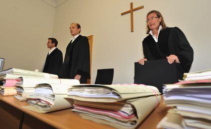 Kläger müssen ersten Rückschlag hinnehmen: Landgericht weist ihre Klage zurück