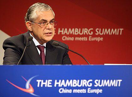 """""""Keine Veranlassung, unmittelbar den Abzug ins Auge zu fassen"""": EZB-Vize Papademos"""