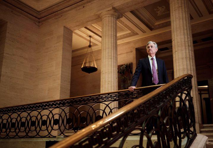 Mächtigster Notenbanker: Chef Jerome Powell kann gegen die hohe Inflation gerade wenig tun, auch wenn seine Fed zuletzt eine leichte Kursänderung angedeutet hat