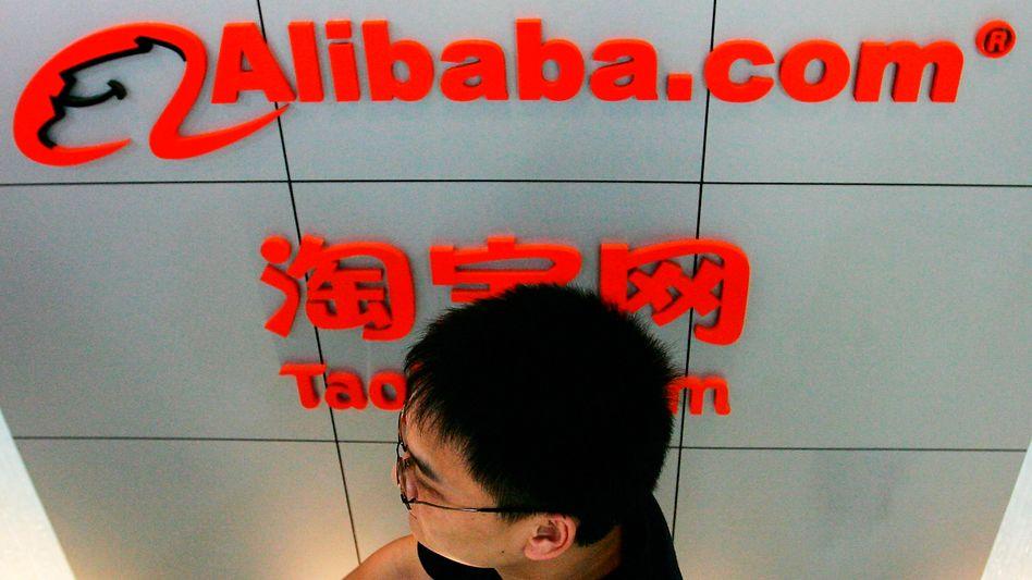 Alibaba: Mit dem Internethandel spielt Alibaba nach wie vor den Löwenanteil der Umsätze ein. Das Cloud-Computing-Geschäft brach im vergangenen Quartal wegen des Wegfalls eines Top-Kunden auf rund 17 Milliarden Yuan - weniger als ein Zehntel des Gesamtumsatzes.