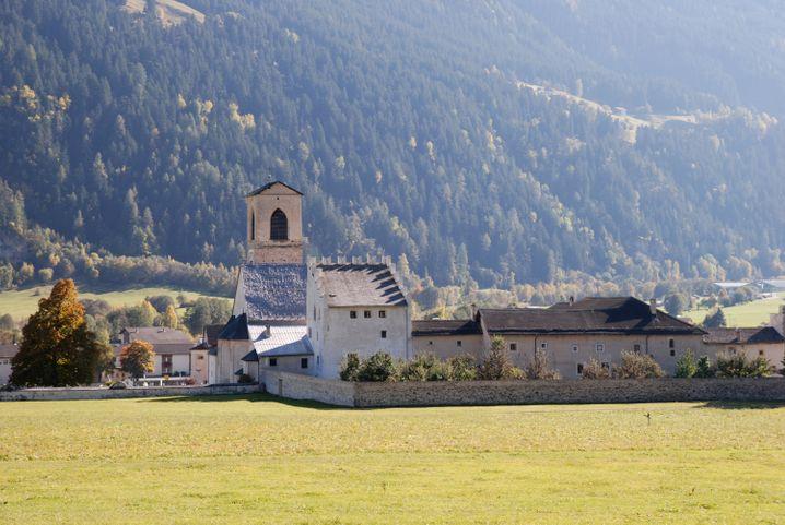 Beten in den Bergen: das Benediktinerinnenkloster in Müstair im Schweizer Kanton Graubünden.