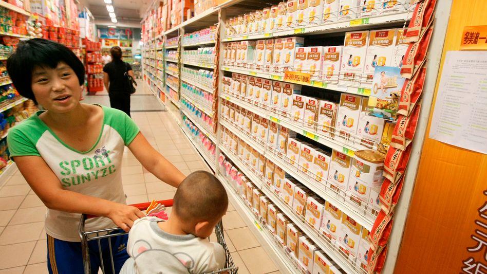Lebensmittel: Chinas Konsumenten schwenken auf ausländische Hersteller um. Danone steigt beim Milchpulver-Produzenten Mengniu ein, und Chinas Shuanghui übernimmt Smithfield Foods aus den USA