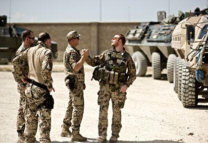 """Bundeswehr-Soldaten in Afghanistan: """"Wir nennen die Summe, die ohne den Krieg für Ausgaben an anderer Stelle zur Verfügung gestanden hätte"""""""
