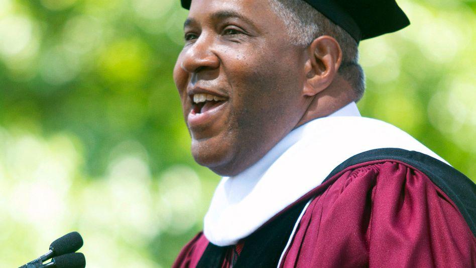 Robert F. Smith übernimmt Studienkredite in Höhe von 40 Millionen Dollar