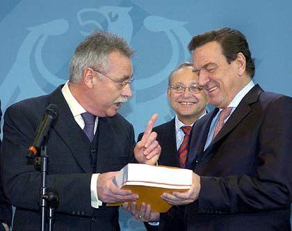 """""""Ich werde jetzt Bücher schreiben"""": Wirtschaftsweiser Wolfgang Wiegard, mit Bundeskanzler Schröder"""