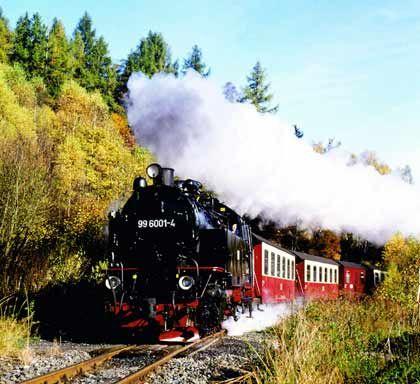 Fast wie in der Modellbahn: Die Harzer Schmalspurbahnen vermieten historische Triebwagen an Dampfrossliebhaber