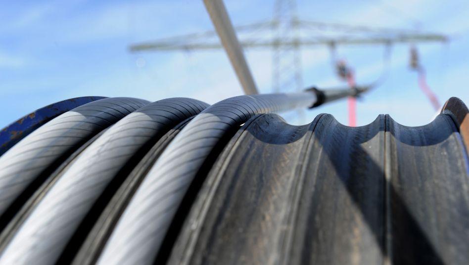 Bau neuer Stromtrassen: Bundeskanzlerin Merkel fordert mehr Koordination zwischen Bund und Ländern